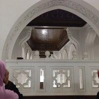 Photo taken at Masjid Saladin by Nabilaazmi on 7/3/2014