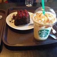 10/19/2013 tarihinde Melis U.ziyaretçi tarafından Starbucks'de çekilen fotoğraf