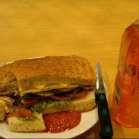 10/2/2012 tarihinde Maria S.ziyaretçi tarafından The FoodHall'de çekilen fotoğraf