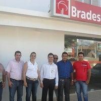 Photo taken at Bradesco Ourolandia by Uille M. on 9/24/2013