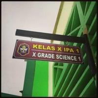 Photo taken at SMA Negeri 9 Malang by Gusti W. on 9/19/2013