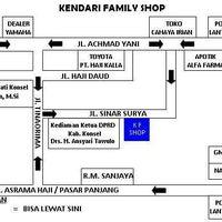 Photo taken at Kendari Family Shop by Alfiyah K. on 10/27/2013