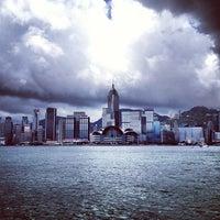 Das Foto wurde bei Star Ferry Pier (Tsim Sha Tsui) von Varvara S. am 6/9/2013 aufgenommen