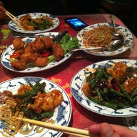 Photo taken at Hunan Home's Restaurant by Kingsley L. on 2/16/2013