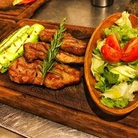 Foto tirada no(a) Besin Kasap & Steakhouse por Yavuz Fatih K. em 9/11/2018