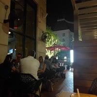 Снимок сделан в Moxie's Grill & Bar пользователем Dan H. 5/26/2017