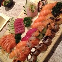 Foto tirada no(a) Kibo Sushi por Manuela P. em 10/23/2012