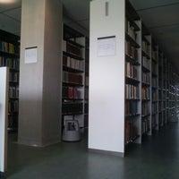 Foto tomada en Edificio de Bibliotecas - UNAV por Gustavo B. el 9/27/2012