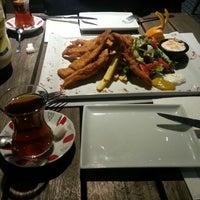 Das Foto wurde bei Alkan's cafe-bistro von Nihal Y. am 3/24/2015 aufgenommen