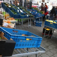 Photo taken at Marché de Boitsfort / Markt van Bosvoorde by Marie Sophie M. on 10/18/2015