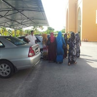 Photo taken at Masjid Al-Ansar, Changkat Lada by slevin a. on 10/24/2012