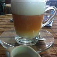 Photo taken at Doi Chaang Coffee by Aume C. on 6/30/2013