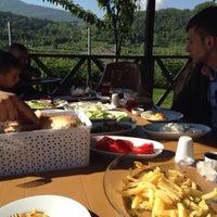 Photo taken at Yeşilvadi ızgara&kahvaltı by Samet Ç. on 2/20/2016
