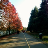 Foto tomada en Green Lake Loop  por Kate K. el 11/10/2012