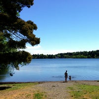 Foto tomada en Green Lake Loop  por Kate K. el 5/18/2013