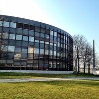 Das Foto wurde bei Landtag Nordrhein-Westfalen von Kate K. am 3/6/2014 aufgenommen