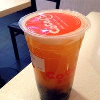 Photo prise au CoCo Fresh Tea & Juice par Kate K. le11/18/2013