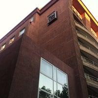 Foto tomada en Hotel NH por Álvaro M. el 10/25/2012