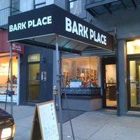 Foto scattata a Bark Place da Bark Place il 2/12/2014