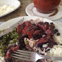 Foto tirada no(a) Paraíso Bar e Restaurante por Maria Fernanda V. em 5/28/2014