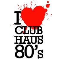 Foto scattata a Club Haus 80's da Club Haus 80's il 9/20/2013