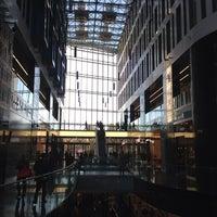 10/19/2013 tarihinde Malakhova V.ziyaretçi tarafından Plac Unii City Shopping'de çekilen fotoğraf