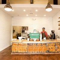 Photo prise au Menotti's Coffee Stop par Menotti's Coffee Stop le9/26/2013