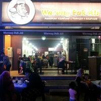Photo taken at Warung Pak Ali Restaurant by Nihongofaiez I. on 1/14/2013