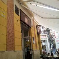 9/21/2012 tarihinde Daniel V.ziyaretçi tarafından Café de Autor'de çekilen fotoğraf