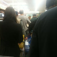Photo taken at Met Foodmarkets by Digi S. on 10/28/2012