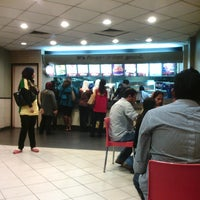 Photo taken at KFC by Mohadil A. on 4/22/2013