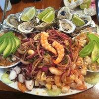 2/9/2013 tarihinde Laura R.ziyaretçi tarafından El Bucanero'de çekilen fotoğraf