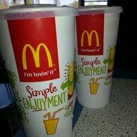 Photo taken at McDonald's by Ricardo S. on 4/13/2014
