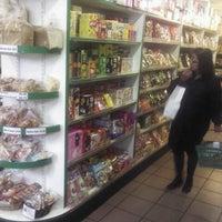 9/29/2012にSteven B.がSunrise Martで撮った写真