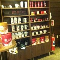Photo taken at Starbucks by Thiago M. on 11/20/2012