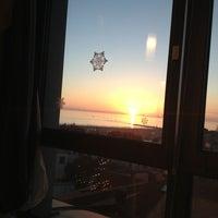 รูปภาพถ่ายที่ Laguna Sky Restaurant โดย JOBshui Employer Branding und Personalberatung M. เมื่อ 12/28/2013
