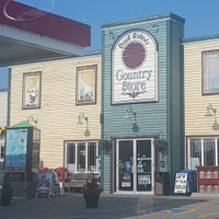 Photo taken at Derek Roberts Country Store by She-Travels .. on 8/20/2017
