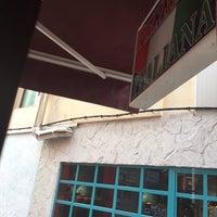 Photo prise au Pizzeria Venecia par Jose Antonio G. le12/13/2015
