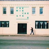 2/25/2014 tarihinde Clayton H.ziyaretçi tarafından The Winchester'de çekilen fotoğraf
