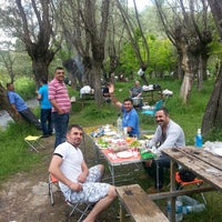 Photo taken at cit köyü alabalık çiftliğin çubuk by Emre E. on 6/22/2014