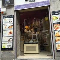 Foto tomada en Priorité Art Coffee Shop por 👠Ashley G. el 5/21/2016