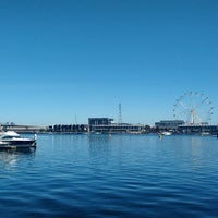 Photo taken at Watermark Docklands by Pao L. on 3/14/2015