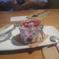 Photo taken at California Pizza Kitchen by Linda L. on 7/13/2013
