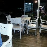 7/26/2014 tarihinde M.Reha A.ziyaretçi tarafından Vanilla Patisserie&Cafe'de çekilen fotoğraf