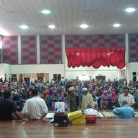 Photo taken at Dewan Besar Kompleks Rakan Muda,Besut by Nur A. on 7/21/2014