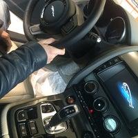 รูปภาพถ่ายที่ Land Rover/Jaguar โดย Дмитрий П. เมื่อ 11/8/2014