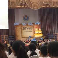 Photo taken at หอประชุมมหาวิทยาลัยหอการค้าไทย by mengg🐳 on 9/15/2016