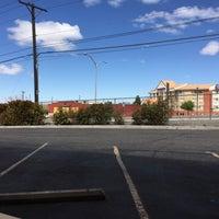 Photo taken at La Quinta Inn Albuquerque Airport by Emily T. on 4/2/2017