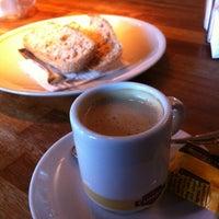 Foto tomada en Saffron Restaurant & Tapas por Jose Antonio D. el 1/8/2013