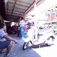 Photo taken at Dinas Pendapatan & Samsat Provinsi Bali by Satya N. on 8/5/2014